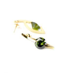 KSK55/Z/OL kolczyki ze srebra złoconego z cyrkoniami w kolorze butelkowej zieleni. Cena: 335 zł