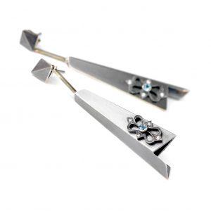 Kolczyki ze srebra oksydowanego z naturalnymi topazami